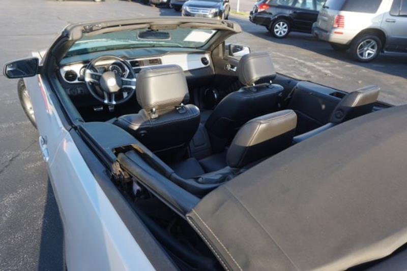 2013 Ford Mustang V6 Convertible - Lexington KY