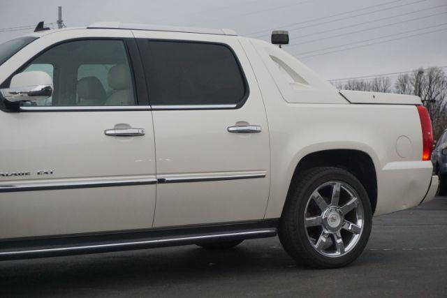 2011 Cadillac Escalade EXT AWD Luxury 4dr Pickup - Lexington KY