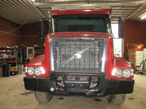 2002 Volvo VHD64B for sale in Richmond, IN
