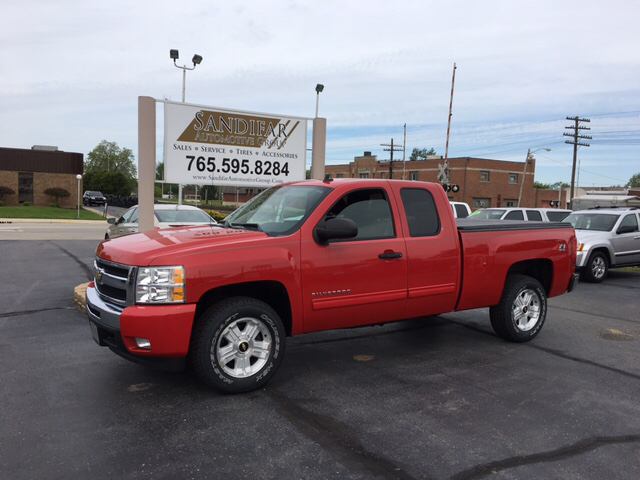 2011 Chevrolet Silverado 1500 4x4 LT 4dr Extended Cab 6.5 ft. SB - Winchester IN