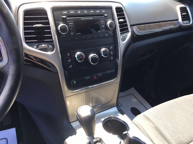 2013 Jeep Grand Cherokee Laredo 4x4 4dr SUV - Winchester IN