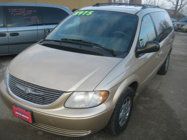 2001 Chrysler Town and Country for sale in Oshkosh WI