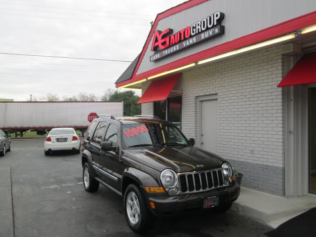 2005 JEEP LIBERTY LIMITED 4WD khaki 4wdawdair conditioningalloy wheelsamfm radioanti-brake s