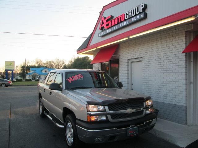 2004 CHEVROLET AVALANCHE 1500 4WD tan 4wdawdabs brakesair conditioningalloy wheelsamfm radio