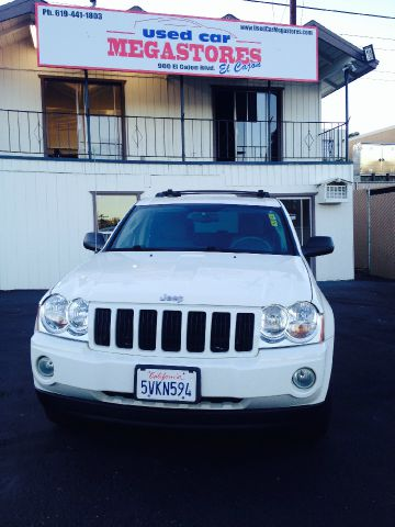 2006 JEEP GRAND CHEROKEE LAREDO 4DR SUV white abs - 4-wheel airbag deactivation - occupant sensi