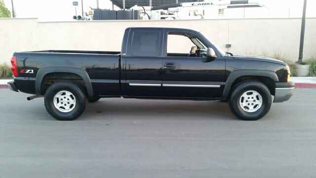 2003 CHEVROLET SILVERADO 1500 BASE 4DR EXTENDED CAB 4WD LB black abs - 4-wheel axle ratio - 373