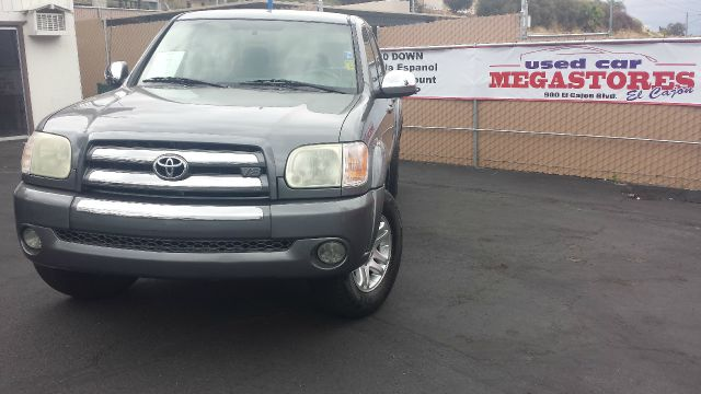 2005 TOYOTA TUNDRA SR5 4DR DOUBLE CAB RWD SB gray abs - 4-wheel axle ratio - 392 bumper color