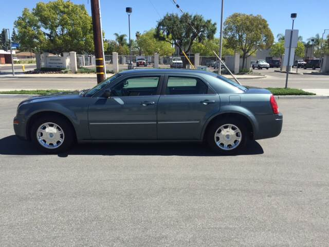 2005 CHRYSLER 300 LIMITED 4DR SEDAN light blue abs - 4-wheel anti-theft system - alarm center c