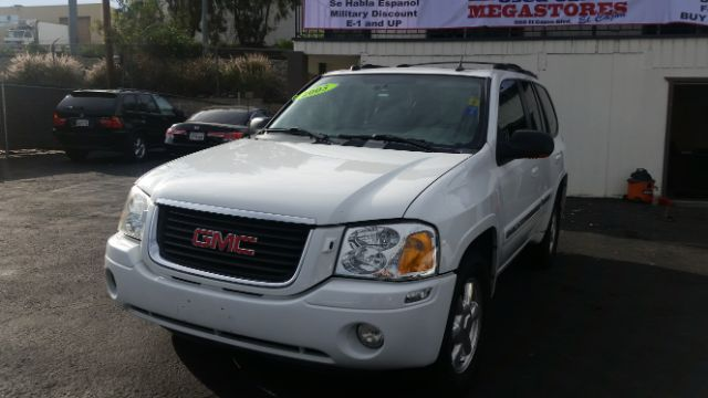 2005 GMC ENVOY SLT 4WD 4DR SUV white abs - 4-wheel axle ratio - 342 center console - front con