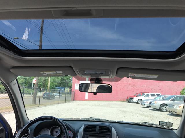 2005 Toyota RAV4 4dr SUV - Akron OH