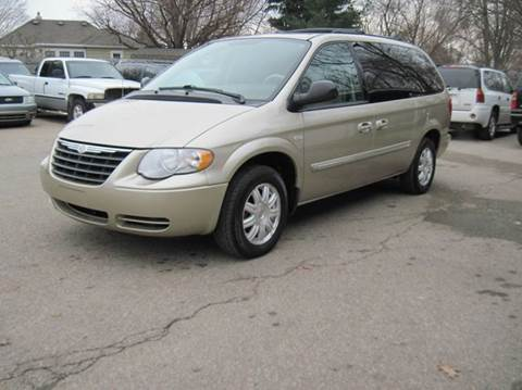 2006 chrysler town and country for sale angier nc. Black Bedroom Furniture Sets. Home Design Ideas