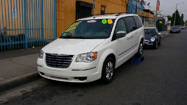 2008 Chrysler Town and Country Limited - Los Angeles CA