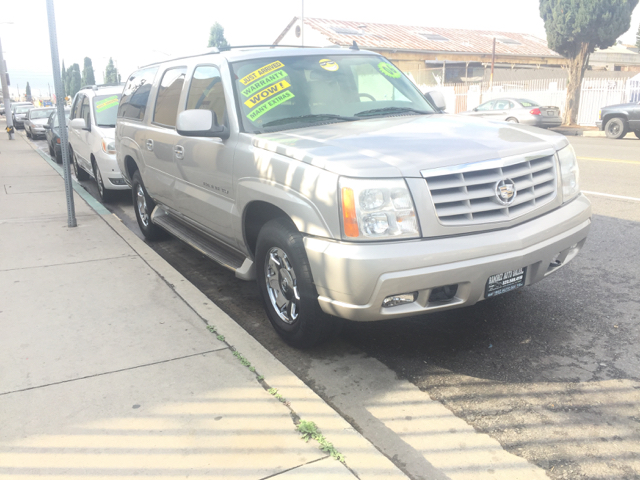 2006 Cadillac Escalade ESV Platinum Edition AWD 4dr SUV - Los Angeles CA