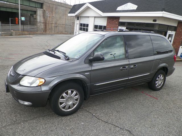 2004 Chrysler Town and Country for sale in Bayonne NJ