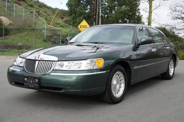 1998 lincoln town car executive in el cajon ca 1 owner. Black Bedroom Furniture Sets. Home Design Ideas