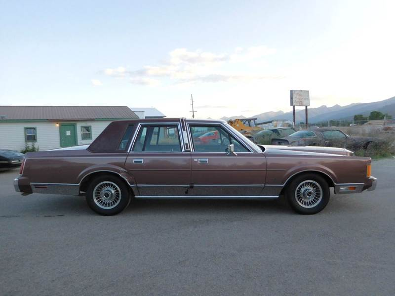 1989 Lincoln Town Car Base 4dr Sedan - El Cajon CA