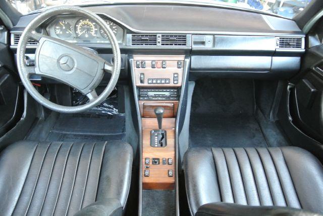 1987 mercedes benz 300 class 300dt w124 diesel sedan in el. Black Bedroom Furniture Sets. Home Design Ideas