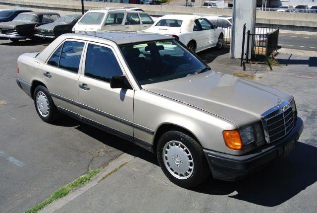 1987 MercedesBenz 300Class 300DT W124 Diesel Sedan In El Cajon