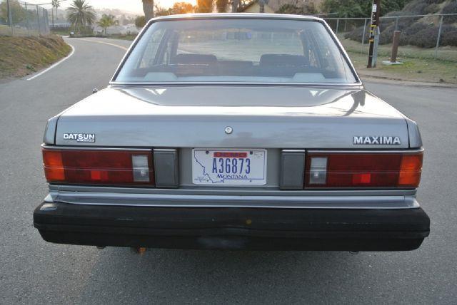 1982 nissan maxima
