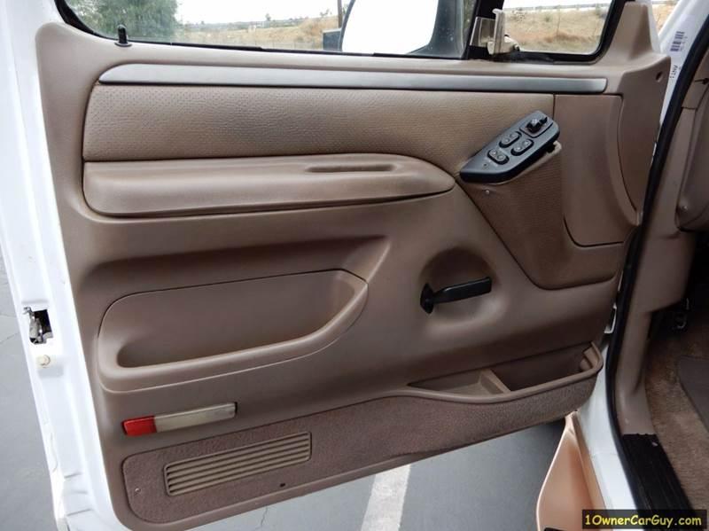 1995 Ford F-150 2dr Eddie Bauer Standard Cab LB - El Cajon CA