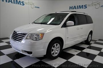 2008 Chrysler Town and Country for sale in Lauderdale Lakes, FL