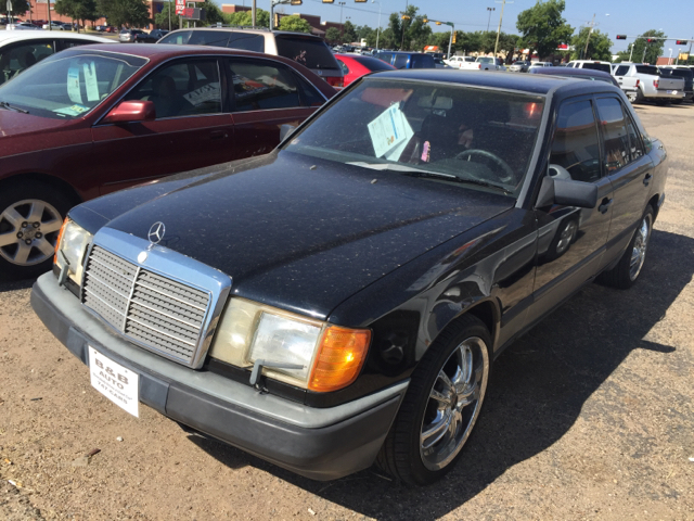 Mercedes benz 300 class for sale in texas for Mercedes benz lubbock