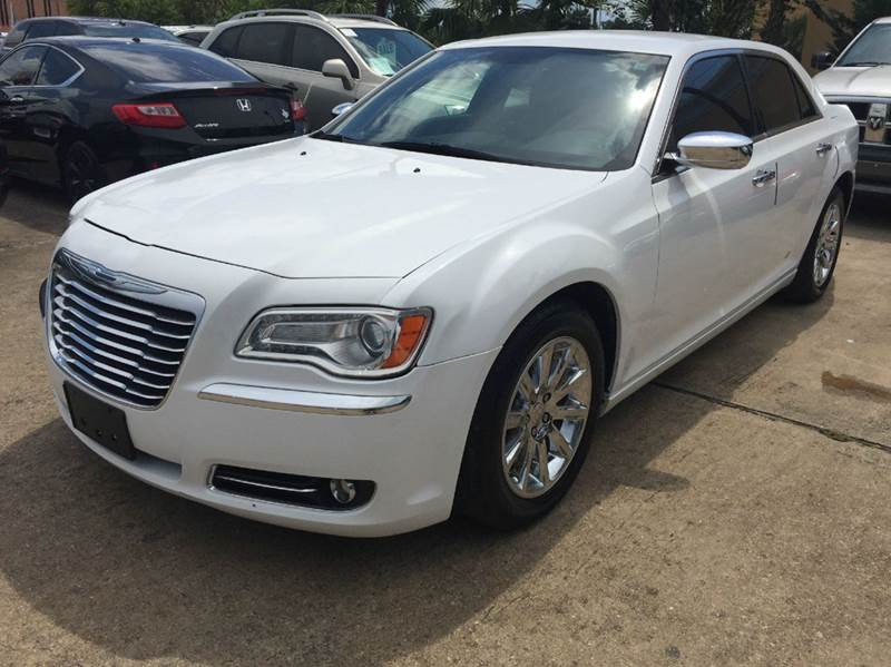 2012 chrysler 300 limited 4dr sedan in houston tx for Discount motors jacksboro hwy inventory