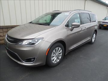2017 Chrysler Pacifica for sale in Avon, NY