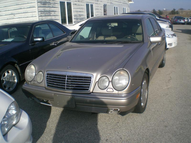 1997 Mercedes-Benz E-Class E320 4dr Sedan - Heyworth IL