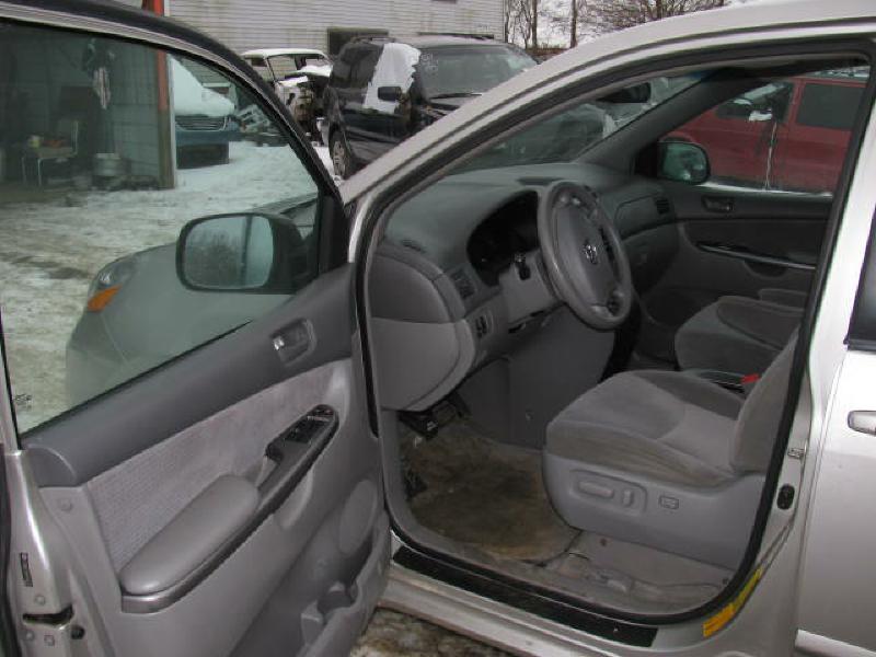 2006 Toyota Sienna AWD LE 7-Passenger 4dr Mini-Van - Armington IL