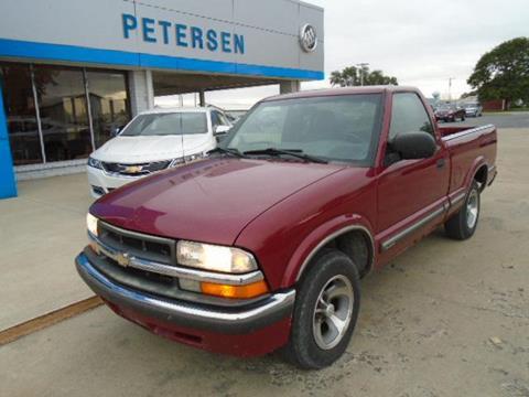 2002 Chevrolet S-10 for sale in Fairbury, IL