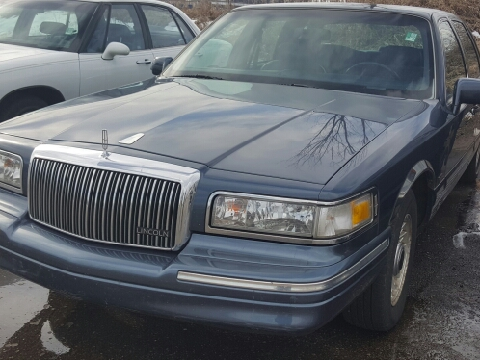 1996 Lincoln Town Car for sale in Lansing, MI