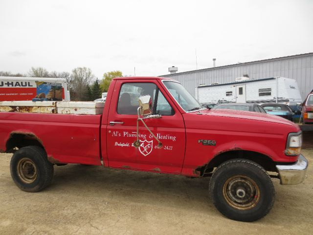 1997 FORD F-250 XL red 1997 ford f-250 great running truck body is shot has some dents major rus