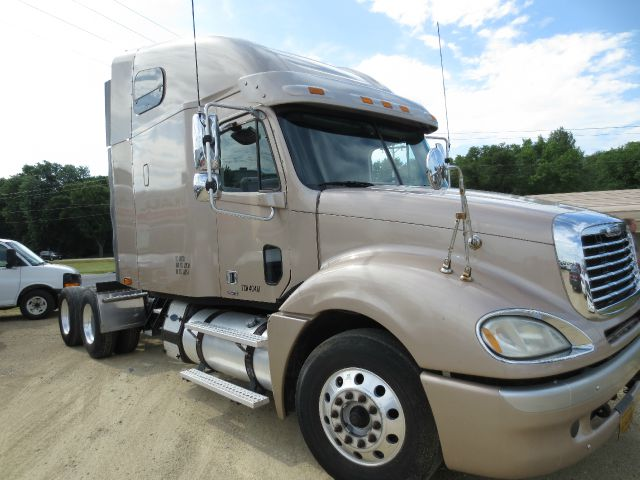 2007 Frieghtliner Columbia