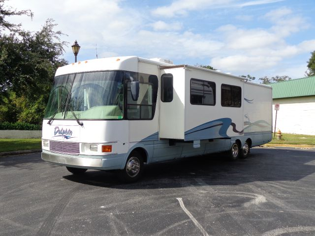 2000 National Dolphin 5374