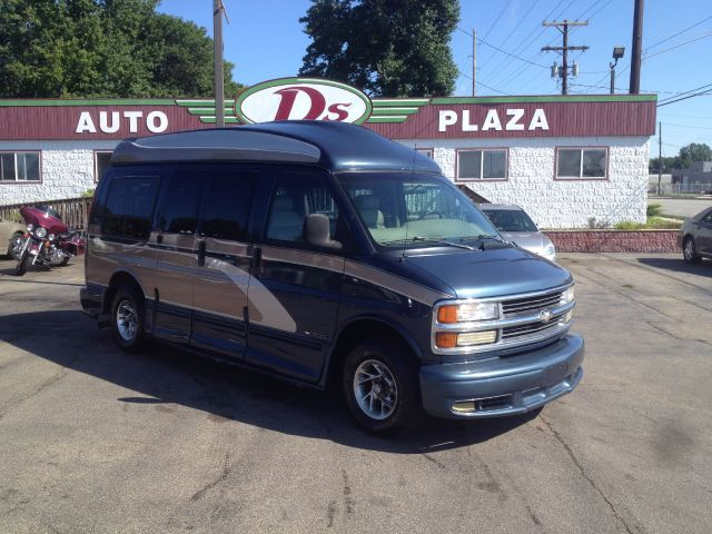 1999 Chevrolet Express for sale in Springfield IL