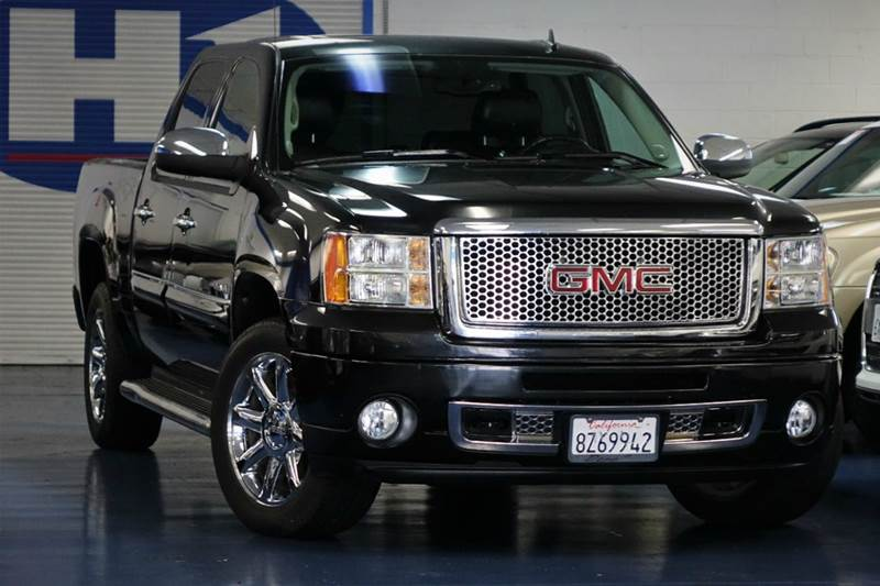 2010 gmc sierra 1500 denali awd 4dr crew cab 5 8 ft sb in. Black Bedroom Furniture Sets. Home Design Ideas