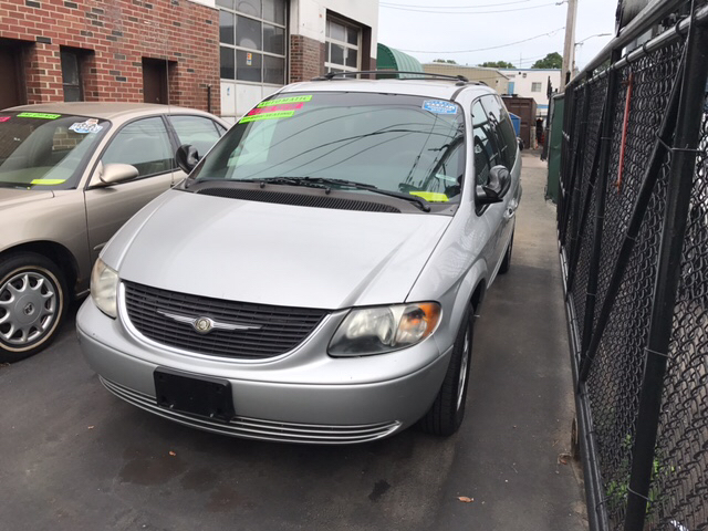 2003 Chrysler Town and Country LX Popular 4dr Mini Van - Dorchester MA