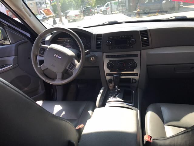 2006 Jeep Grand Cherokee Laredo 4dr SUV 4WD - Dorchester MA