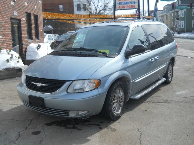 2003 chrysler town and country limited awd 4dr minivan Adams street motors