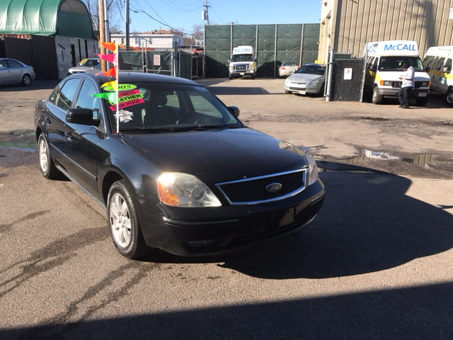 2005 ford five hundred sel awd 4dr sedan in dorchester ma Adams street motors