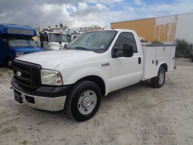 2006 ford f 250 xl regular cab service body utility truck in hialeah fl miami truck center. Black Bedroom Furniture Sets. Home Design Ideas