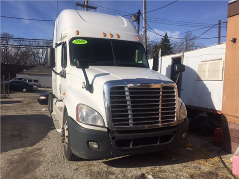 2009 Freightliner Cascadia for sale in Chicago, IL