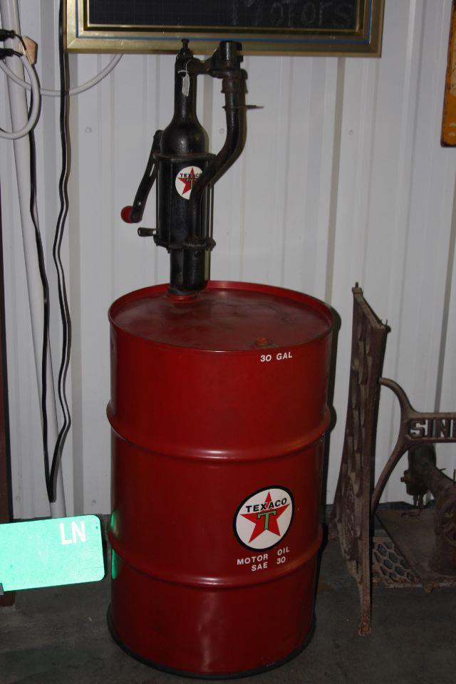 2013 ClassIC & COLLECTIBLE Petroleum Products Memorabilia  - Fenton MO