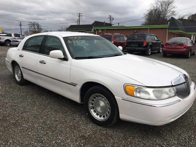 2000 Lincoln Town Car Executive 4dr Sedan - Weirton WV