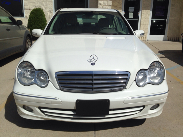 Used cars clinton township auto financing anchorville for 2006 mercedes benz c280 4matic for sale