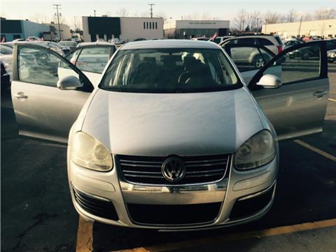 Daniel auto sales used cars clinton township mi dealer for Deal motors clinton hwy