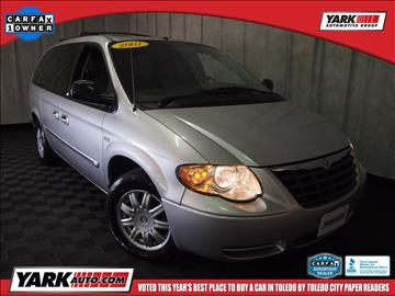 2007 Chrysler Town and Country for sale in Toledo, OH