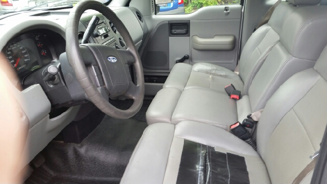 2005 Ford F-150 XL 2dr Standard Cab Rwd Styleside 8 ft. LB - Collingswood NJ