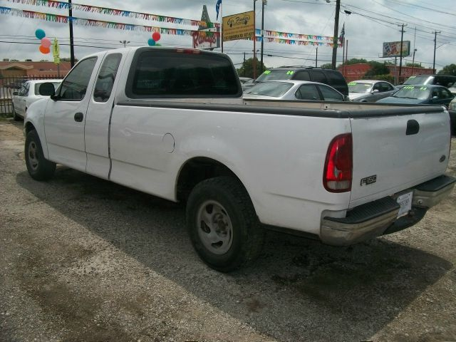 2000 ford f 150 xl supercab long bed 2wd in san antonio. Black Bedroom Furniture Sets. Home Design Ideas